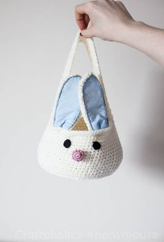Free crochet pattern for the cutest bunny basket ever! Perfect for Easter egg hunts. An in-depth tutorial with step-by-step pictures. Crochet bunny basket