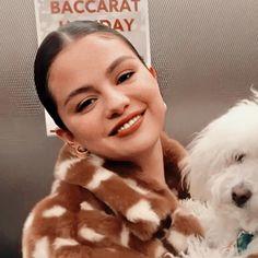 Estilo Selena Gomez, Selena Gomez Photos, Selena Gomez Style, Selena And Taylor, Marie Gomez, Aesthetic Makeup, Queen, Female Singers, American Singers