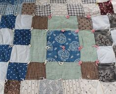 antique 1900s FARM SUPPER quilt farmhouse by Luncheonettevintage