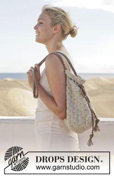 "Crochet DROPS bag with fan pattern in ""Bomull-Lin"" or ""Paris"". ~ DROPS Design. ☀CQ #crochet #bags #totes http://www.pinterest.com/CoronaQueen/crochet-bags-totes-purses-cases-etc-corona/"