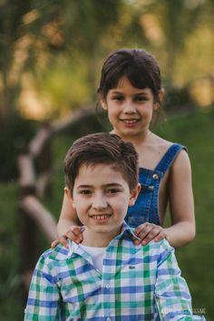 Sessao familia. Ensaio Externo. Crianças. Primos. Sítio. Fotografia. Paranavai, Paraná.