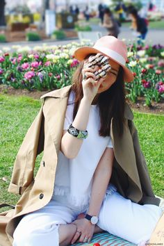 Japanese Fashion Blogger,Mizuho K,OOTD,20170403,Ecua-andino_pink hat,ZAFUL_Trench coat,ZARA_denim tops,white denim culottes,nevy blue shiney oxfords,Andreas Ingeman_watch,matatabi_paper bag, picnic casual style