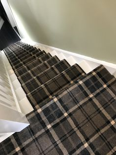 Discount Carpet Runners For Stairs Basement Carpet, Carpet Stairs, House Stairs, Deep Carpet Cleaning, How To Clean Carpet, Diy Carpet, Modern Carpet, Carpet Ideas, Carpet Types