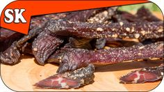 How To Make Jerky - No Dehydrator Required - Meat Series 04 Jerky Recipes, Meat Recipes, Cooking Recipes, Making Beef Jerky, Pork Jerky, Venison, Roasted Ham, Dehydrated Food, Biltong