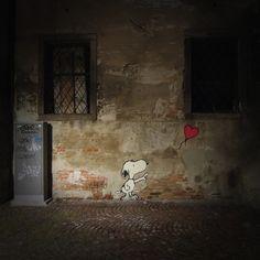 Snoopy Street Art by Kenny Random via streetartutopia #Snoopy #Stret_Art #Kenny_Random