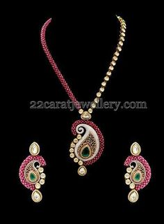 Jewellery Designs: Fancy Set with Paisley Locket