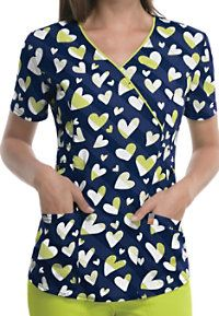 Code Happy Love To Smile Print Scrub Tops With Certainty Cute Scrubs Uniform, Scrubs Outfit, Scrubs Pattern, Suit Pattern, Nurse Betty, Medical Scrubs, Nursing Scrubs, Nursing Clothes, Scrub Tops