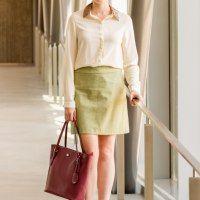 https://forsevenseasons.wordpress.com/2015/09/02/green-skirt-pink-bag-for-work/