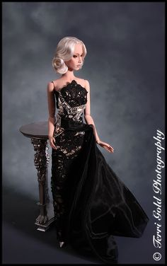 Collecting Fashion Dolls by Terri Gold: Redressing: Domina, Fidele and Veroniques