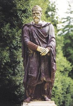 Faces from the past - dacian man statue ancient south eastern people Mayan Symbols, Viking Symbols, Egyptian Symbols, Ancient Symbols, Viking Runes, Ancient Rome, Ancient History, History Of Romania, Romania People