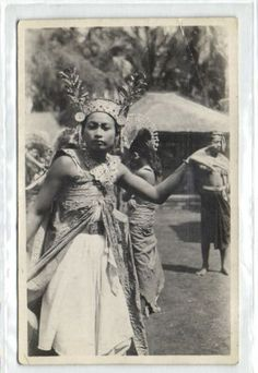 indonesia-BALI-Legong-Dancer-Native-Girl-1920s-RPPC