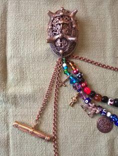 Bronze and glass beads, a viking womans trasures Viking Garb, Viking Reenactment, Viking Dress, Viking Costume, Viking Life, Viking Woman, Medieval Jewelry, Viking Jewelry, Viking Writing
