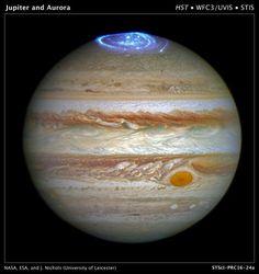Júpiter tem aurora espetaculares, como esta vista capturada pelo Telescópio…