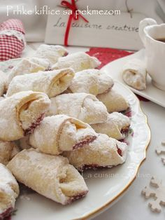 Bredele with hazelnut and candied cherries - HQ Recipes Bakery Recipes, Cookie Recipes, Dessert Recipes, Christmas Desserts, Christmas Baking, Kiflice Recipe, Croatian Cuisine, Macedonian Food, Kolaci I Torte