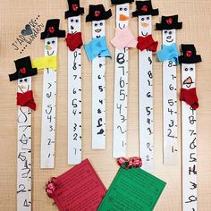 christmas family craft take home gift free christmas craft snowman craft measuring stick thrifty teacher Laura King ( Free Christmas Gifts, Family Christmas, Holiday Crafts, Holiday Decor, Measuring Stick, Family Crafts, Snowman Crafts, Home Gifts, Teacher