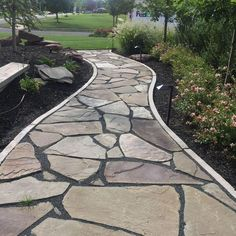 flagstone pathway This really is an exceptional idea if you are looking for Backyard Walkway, Outdoor Walkway, Backyard Landscaping, Landscaping Ideas, Walkway Ideas, Front Walkway Landscaping, Yard Ideas, Garden Stones, Garden Paths