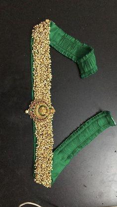 Wedding Saree Blouse Designs, Saree Blouse Neck Designs, Fancy Blouse Designs, Saree With Belt, Saree Belt, Embroidery Neck Designs, Stylish Blouse Design, Necklace Designs, Belts
