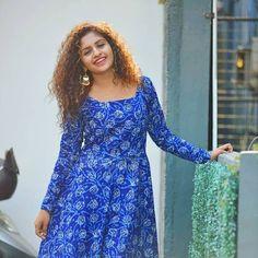 Beautiful Indian Actress, Beautiful Actresses, Prity Girl, Shalwar Kameez, Indian Actresses, Designer Dresses, Dresses With Sleeves, Malayalam Actress, Gowns