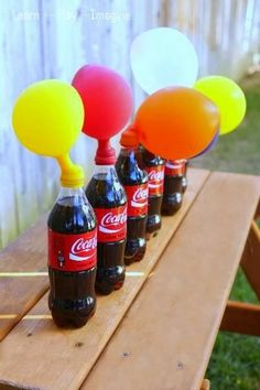 ¡¡Un juego científico-divertido!! Alguna vez habéis intentado inflar globos con el gas de algún refresco? The coolest science experiment for kids ever! How to blow up a balloon using soda - this is amazing fun for kids of all ages.