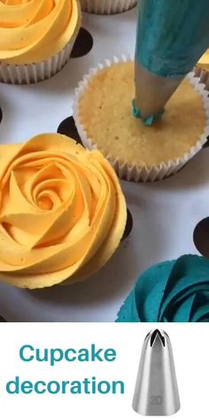 Cupcake Decorating Tips, Cake Decorating Frosting, Cake Decorating For Beginners, Creative Cake Decorating, Creative Cakes, Cookie Decorating, Cupcake Recipes, Dessert Recipes, Dessert Food