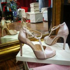 Απαλά ροζ δερμάτινα χειροποίητα παπούτσια για γάμο Divina Shoes κωδικός P752F9,5 Dusty Pink, Stuart Weitzman, Romantic, Bridal, Sandals, Heels, Handmade, Fashion, Heel