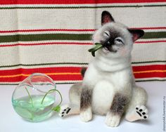 Купить Жора-обжора! - белый, кот, валяная игрушка, игрушка из шерсти, Сухое валяние, котик