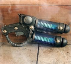 Stormthrower - Steampunk Tesla Pistol Scratchbuild Made from a glue gun, hair brushes and an easter egg.