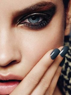 Smokey eye makeup // Bombshell Beauty Look From Madame Figaro France