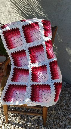 Directions and photos on making this mitered granny square