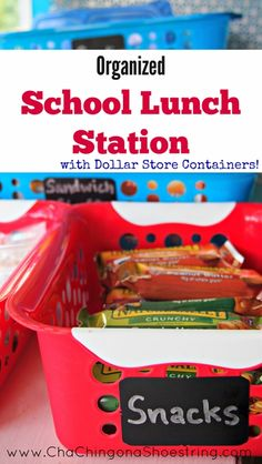 One trip to the Dollar Store solved my School Lunch Making Crisis! My organized school lunch station is such a simple way to make school mornings easier. Make School, School Days, Back To School, School Lunches, Work Lunches, Lunch Snacks, Lunch Box, Lunch Time, Snack Box