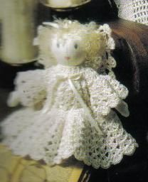 Use this free crochet pattern to make an amazing delicate angel doll crochet pattern. She is so pretty and would look great in your home during the holidays. She can even be sitting out year-round. Crochet Christmas Ornaments, Holiday Crochet, Crochet Home, Christmas Angels, Crochet Crafts, Crochet Projects, Free Crochet, Christmas Ideas, Christmas Crafts