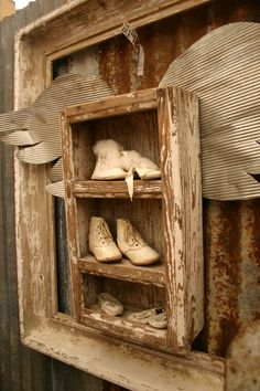 I should do something like this.  I have my Mom's baby shoes, mine and my kiddo's ... now I could add my grandkids shoes and even great grandkids!