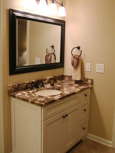 Traditional Bathroom Small Bathroom Design, Pictures, Remodel, Decor and Ideas - page 43