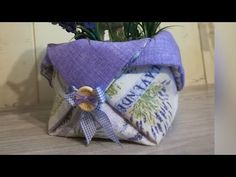 DIY 🐰🌿 cestino facile 🐰 in 5 minuti - YouTube Jute, Couture, Fabric Crafts, Diy And Crafts, Reusable Tote Bags, Make It Yourself, Quilts, Sewing, How To Make