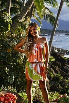 New Fashion, Girl Fashion, Fashion Outfits, Tiare Tahiti, Island Style Clothing, Island Wear, Tropical Dress, Polynesian Dresses, Polynesian Art