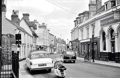 Kings Street, note Corner House, left centre, used to go for mousaka & chips! Cambridge Pubs, Honeymoon Night, Pub Interior, Corner House, England Uk, Old Photos, Past, Ireland, Centre
