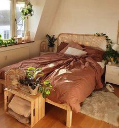 Room Ideas Bedroom, Bedroom Decor, Cosy Bedroom, Bedroom Bed, Bedroom Inspo, Wall Decor, Aesthetic Room Decor, Cosy Aesthetic, Aesthetic Bedrooms