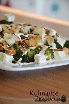 Sałatka z brokułami, sałatka z brokułem, Sałatka z brokułami, fetą i migdałami, Sałatka z brokułem, serem feta i uprażonymi migdałami. Sałatka brokułowa.