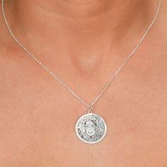 Custom photo charm necklace. #Jewelry #customjewelry #Jewelryideas #handmadejewelry #bracelet #necklace #jewelryart #jewelryfashion #jewelrylovers #elegantjewelry #jewelryoftheday #jewelrystyle #jewelryinspiration #jewelrylover #pendant #pendants #pendantnecklce #pendantbracelet #barnecklaces #gift #gifts #womensfashion