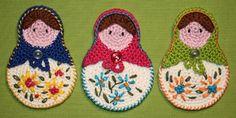 Matryoshka crochet applique pattern