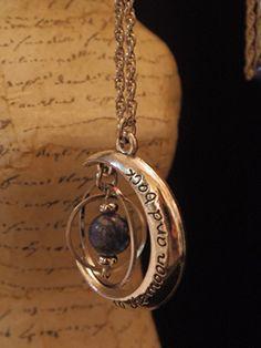 ギニョール天体観測展 出品作品のご紹介です | Guignol.blog Cute Jewelry, Jewelry Accessories, Copper Jewelry, Harry Potter Jewelry, Do It Yourself Jewelry, Magical Jewelry, Fantasy Jewelry, Things To Buy, Jewelery