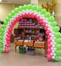 Fanciful Arch Photo: (by another artist) shown here to give you wonderfull ideas of what Balloons by Balancia can do for your event! Ballon Arch, Deco Ballon, Balloon Columns, Balloon Hat, Balloon Words, Love Balloon, Qualatex Balloons, Pink Balloons, Birthday Balloons