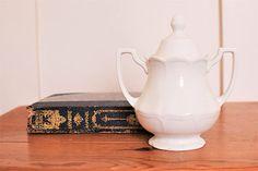 Vintage English Ironstone Covered Sugar Bowl J. & G. Meakin - www.number19vintage.etsy.com