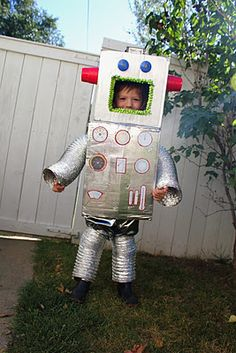 Tots and Bottoms: Robot Costume Tutorial