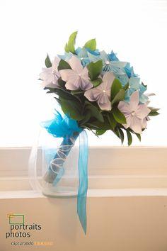 El ramo de la novia con flores de papel y cristales swarovski www.bodasenelcaribe.com.co