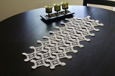 This white doily, crochet with geometric ornament was crochet with hook and cotton, so it is very light and laced. It is a good thing to make . Crochet Diagram, Filet Crochet, Crochet Motif, Irish Crochet, Crochet Designs, Hand Crochet, Crochet Patterns, Crochet Table Runner, Crochet Tablecloth