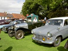 Old cars on display in Pershore 2007/8