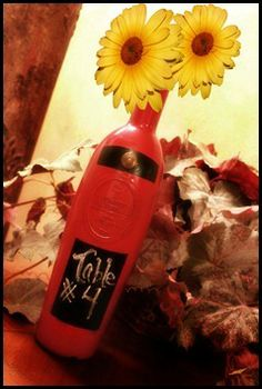 Creative Juices Decor: Wine bottles, spray paint and chalk–Oh my!