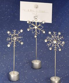These gorgeous snowflake place card holders are perfect for a winter themed wedding (£2.03)