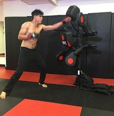 Adjustable Punching & Kicking Pads – The Caveman's Guide Martial Arts Equipment, Martial Arts Training, Boxing Training, Training Equipment, Gym Equipment, Leg Workouts For Men, Fun Workouts, Boxing Gym, Boxing Workout